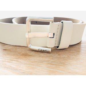🚨NL🚨 Calvin Klein White Belt